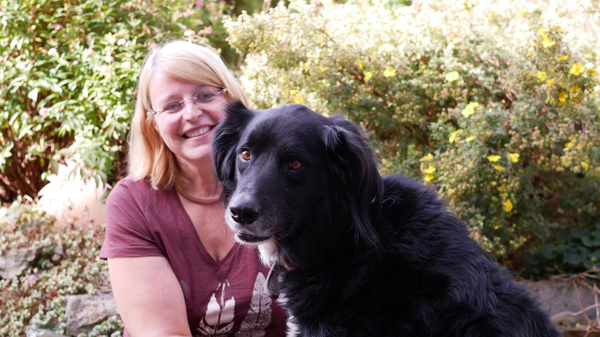 Dagmar Mönnig und ihr Hund Hugo